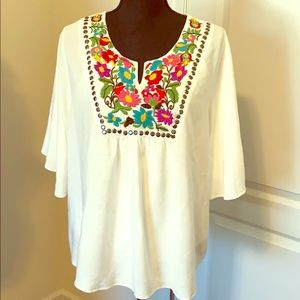 Ariat embroidered flounce top NWOT. (060)